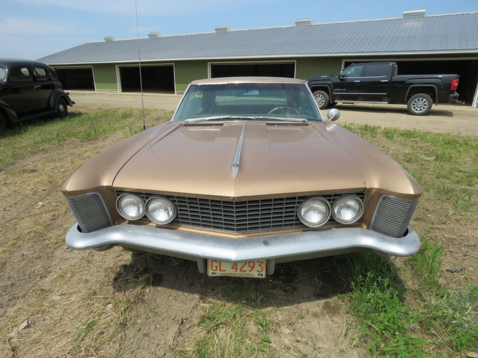 1967 Buick Riviera Coupe 7J1057263 - Image 2