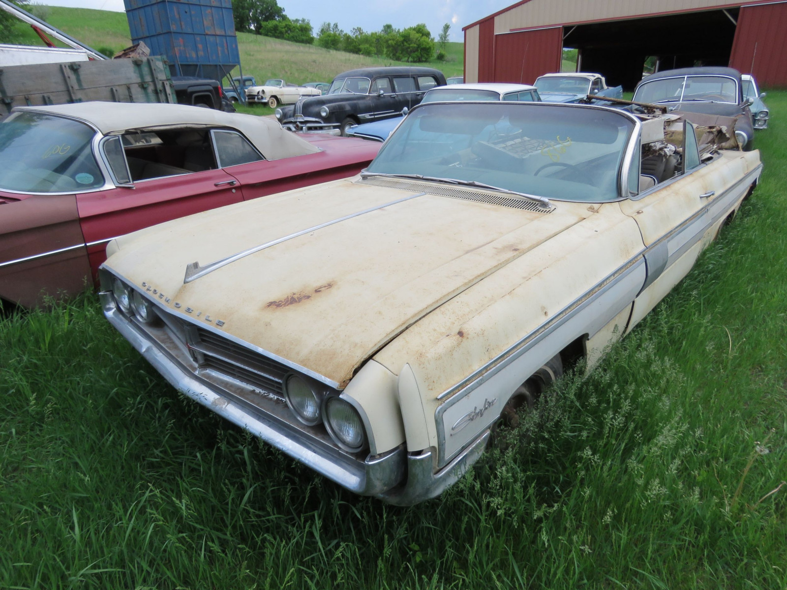 Oldsmobile Starfire Convertible for Project or Parts - Image 1