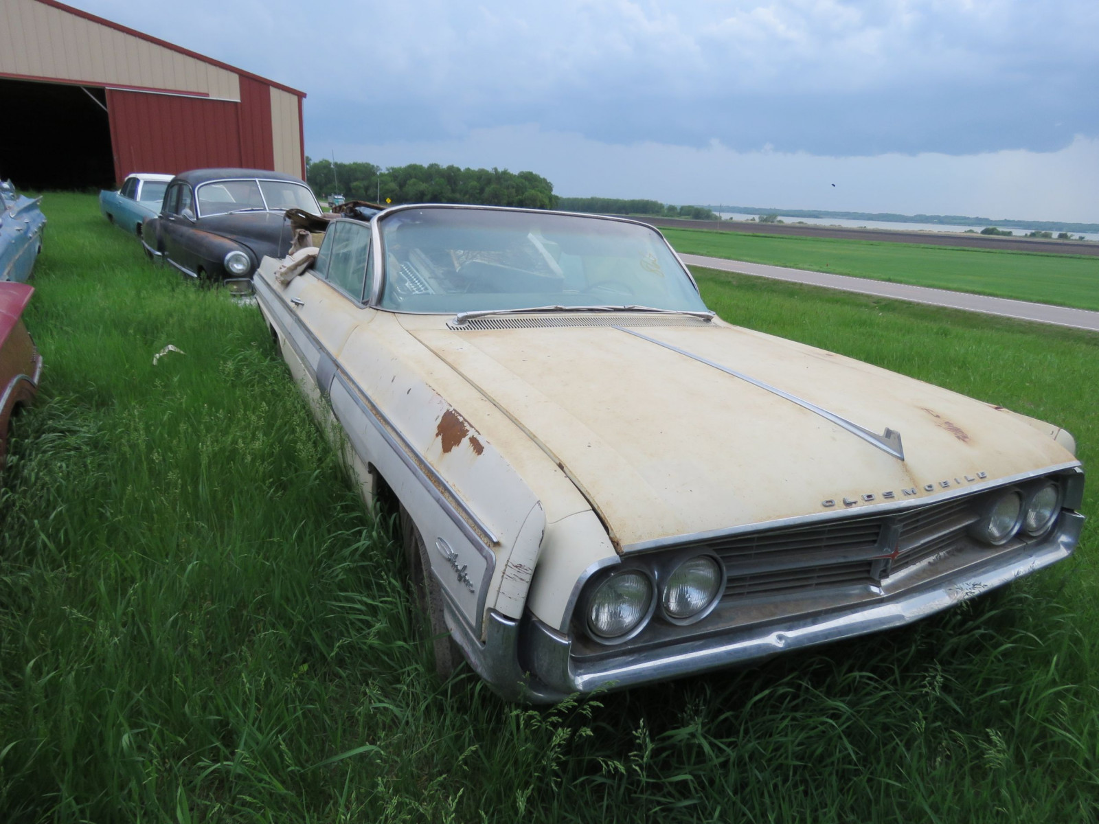 Oldsmobile Starfire Convertible for Project or Parts - Image 2