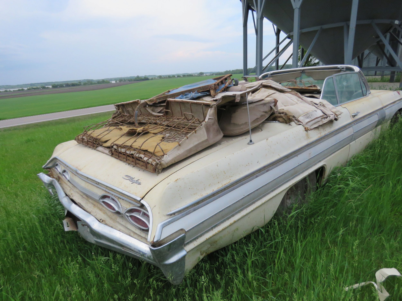 Oldsmobile Starfire Convertible for Project or Parts - Image 3