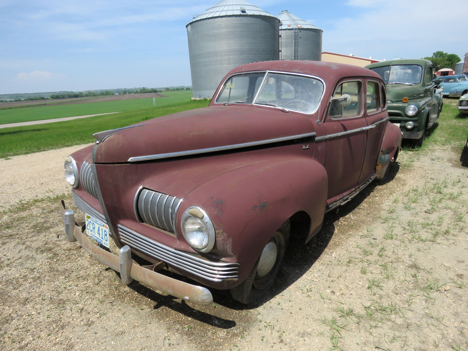 1941 Nash 6 4dr Suicide Sedan for Rod or Restore - Image 2
