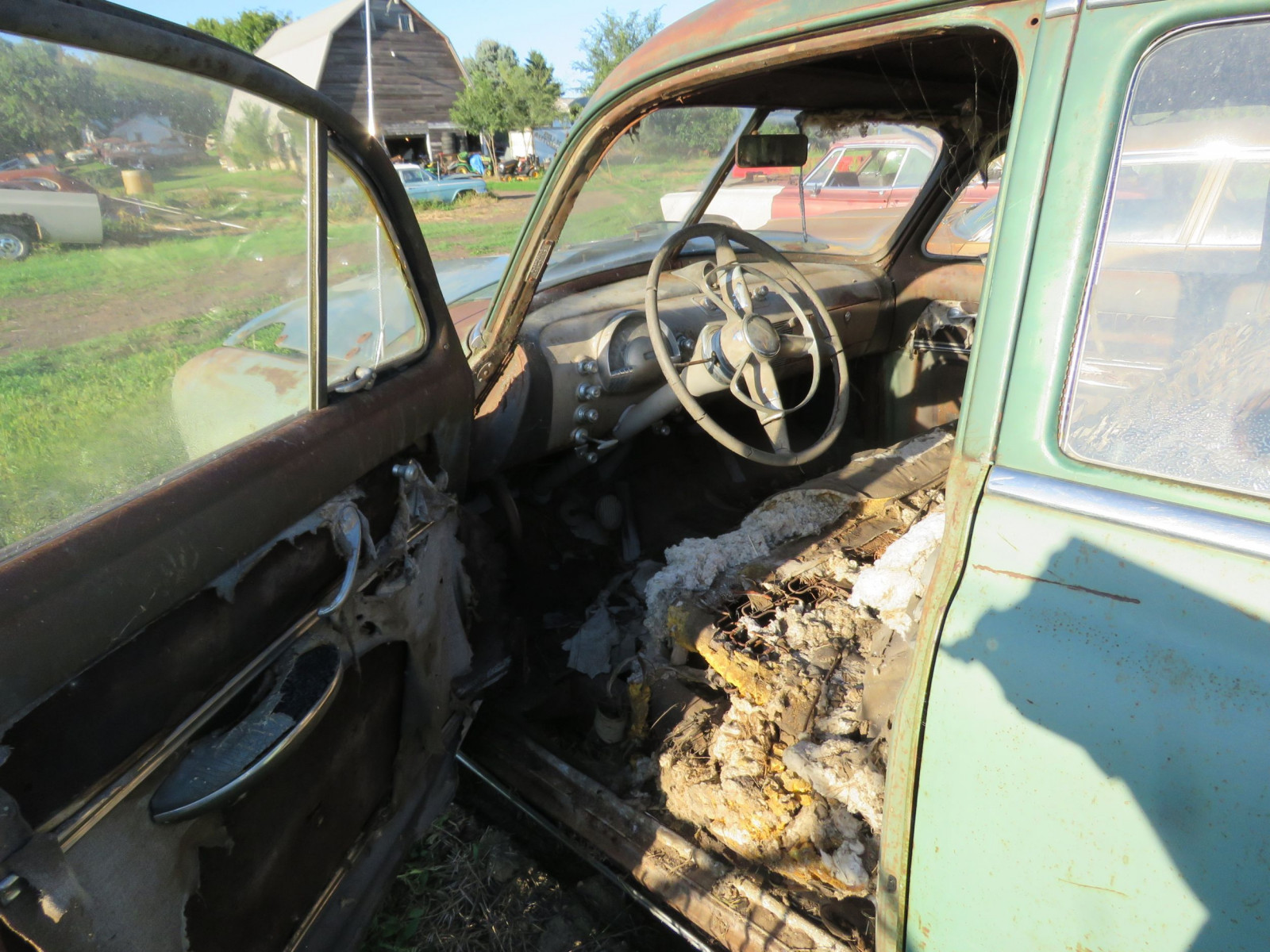 1949 Oldsmobile 4dr Sedan for Project or Parts - Image 4