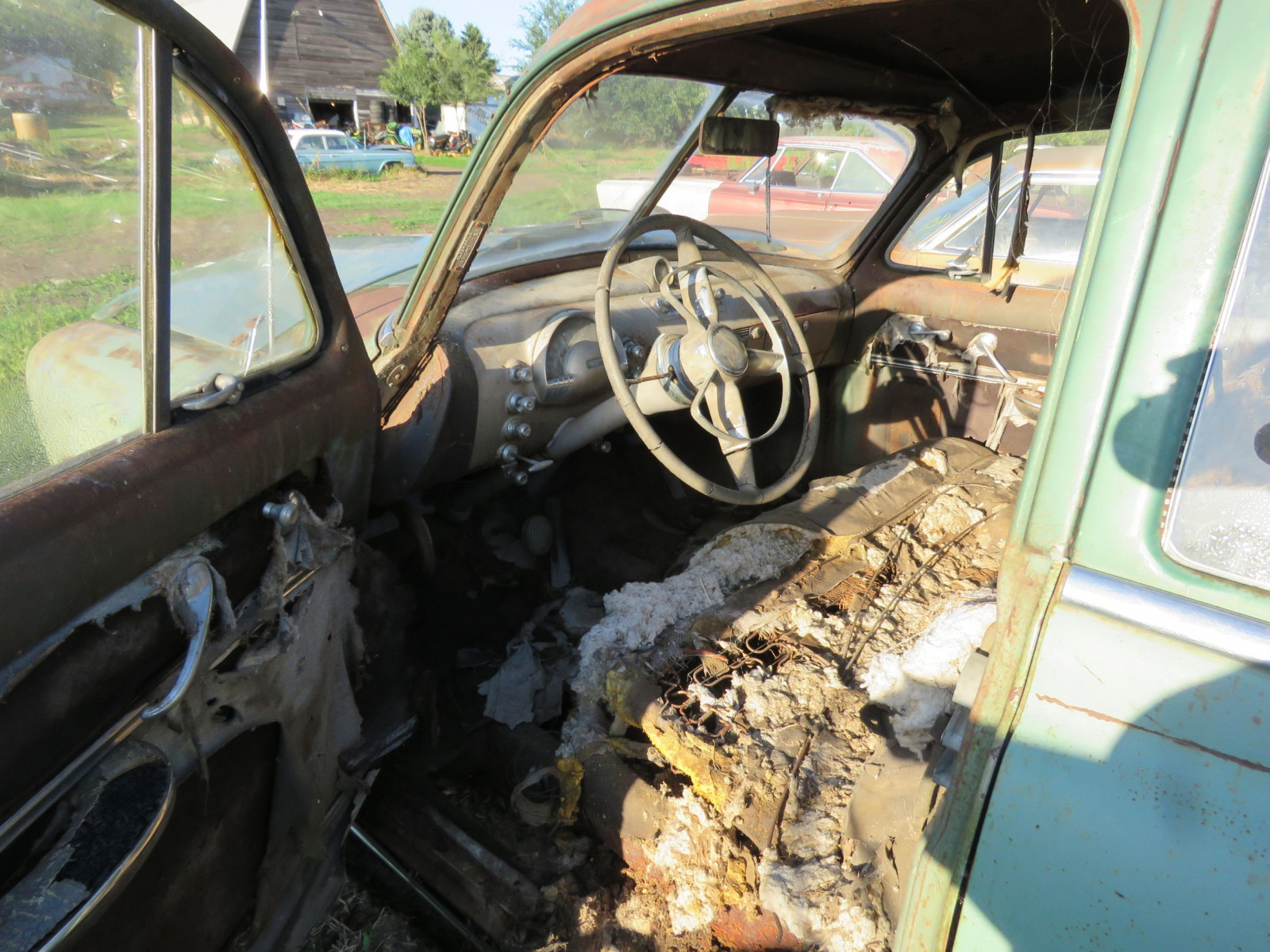 1949 Oldsmobile 4dr Sedan for Project or Parts - Image 5