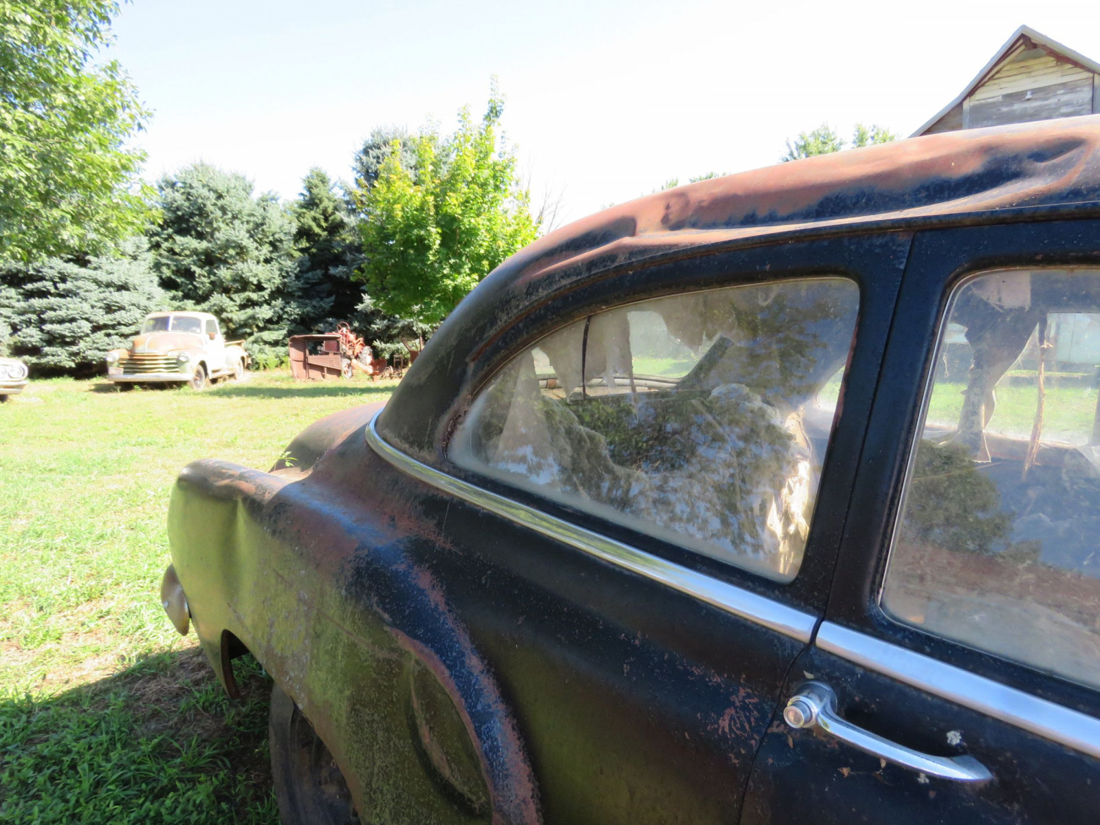 1952 Chevrolet 2dr Sedan for Project or Parts - Image 4