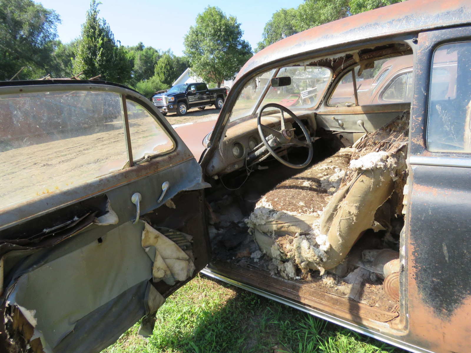 1952 Chevrolet 2dr Sedan for Project or Parts - Image 7