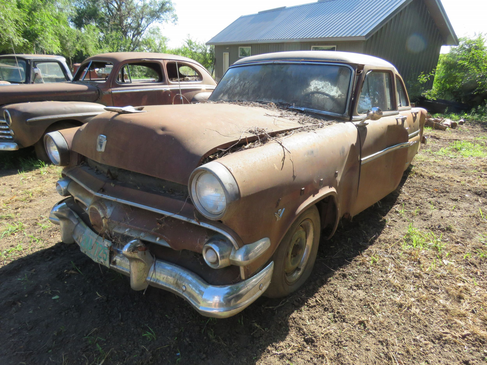 1954 Ford Customline 4dr Sedan for Project or Parts - Image 2