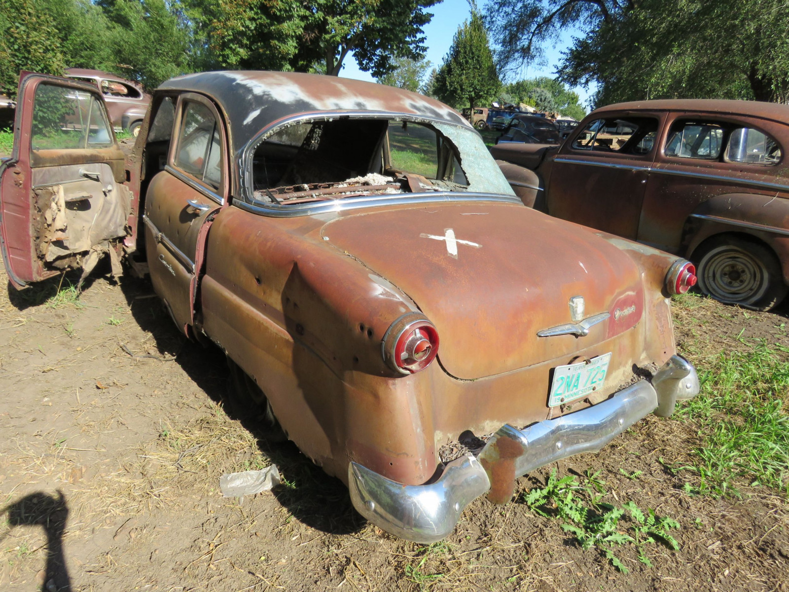 1954 Ford Customline 4dr Sedan for Project or Parts - Image 3