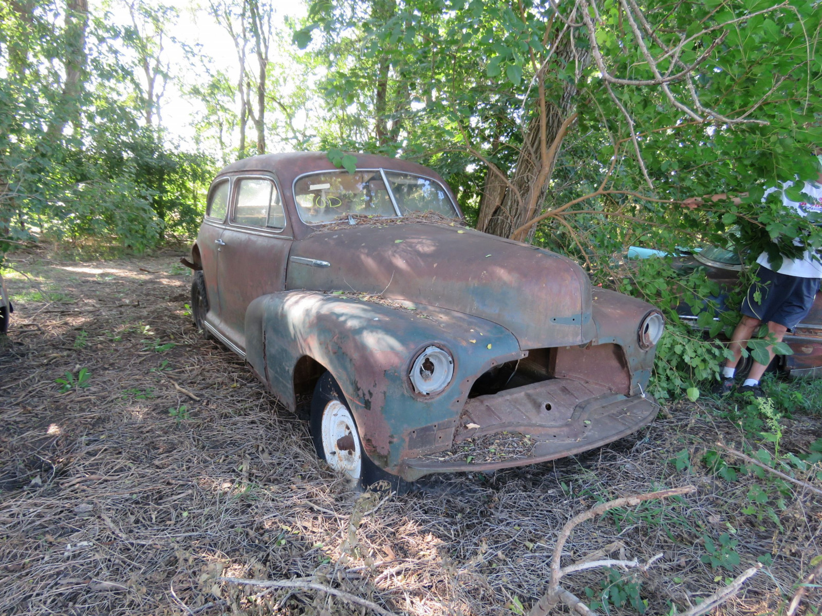 1947 Chevrolet 2dr Sedan for project or parts - Image 1