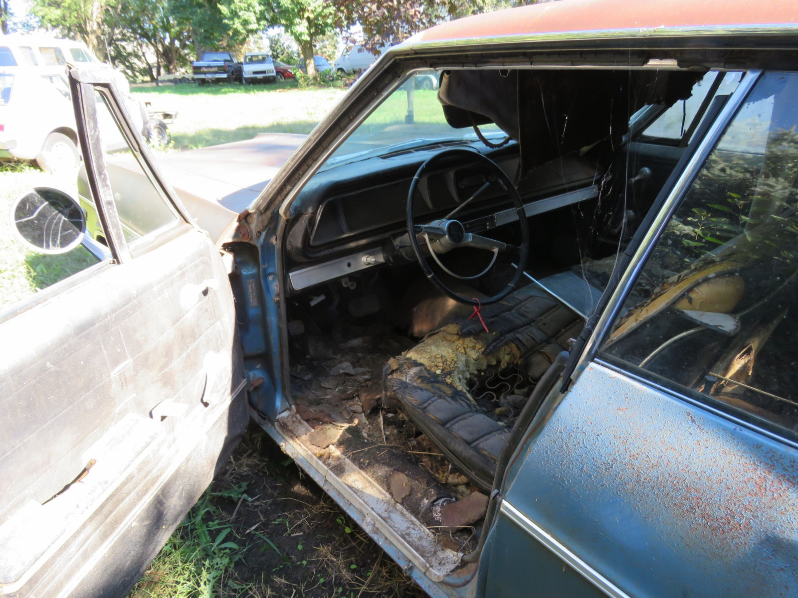1966 Chevrolet Impala 4dr HT for Project or Parts - Image 4