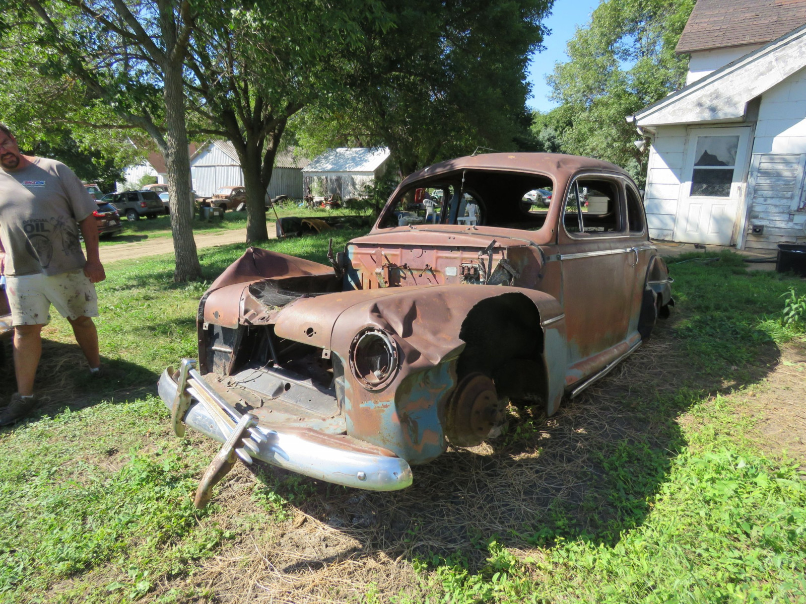 1946 Ford 2dr Sedan for Project or Parts - Image 2