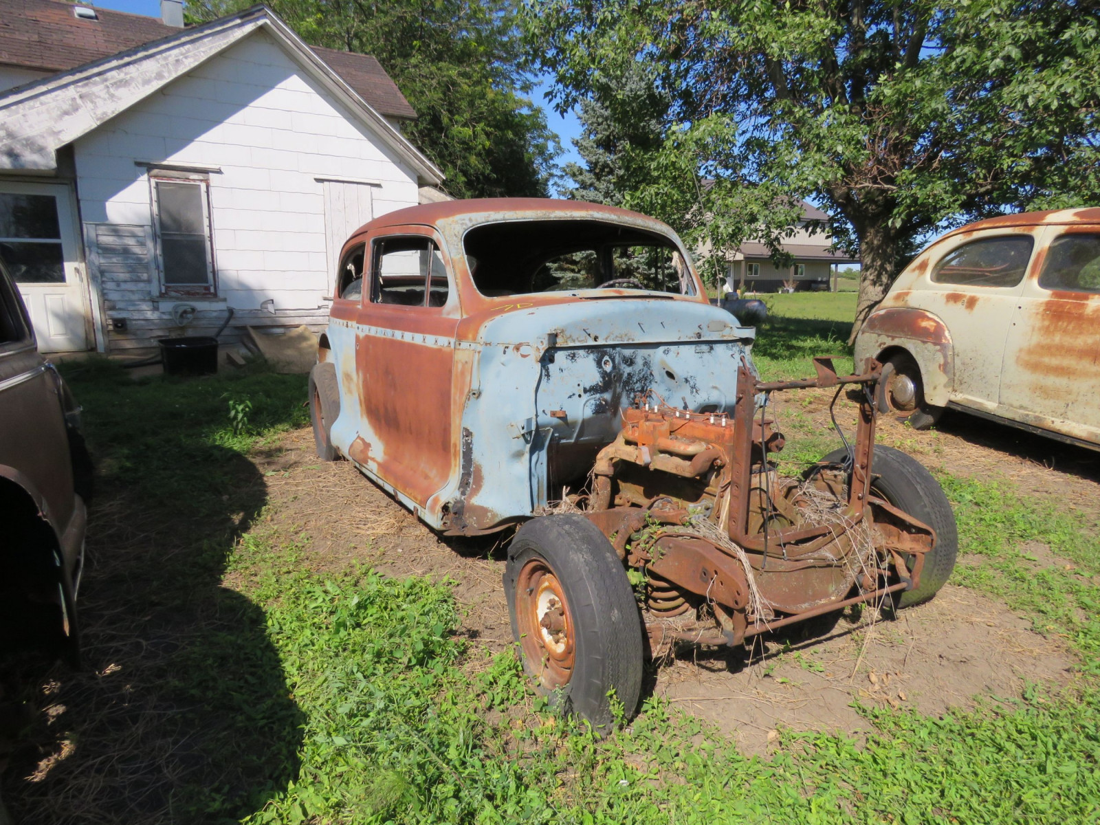 1940's Chevrolet 2dr Sedan for project or parts - Image 1
