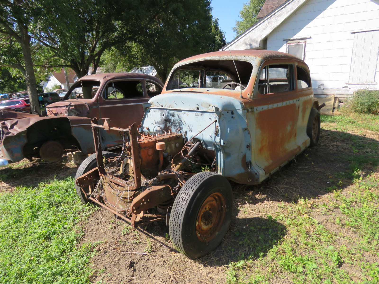 1940's Chevrolet 2dr Sedan for project or parts - Image 2