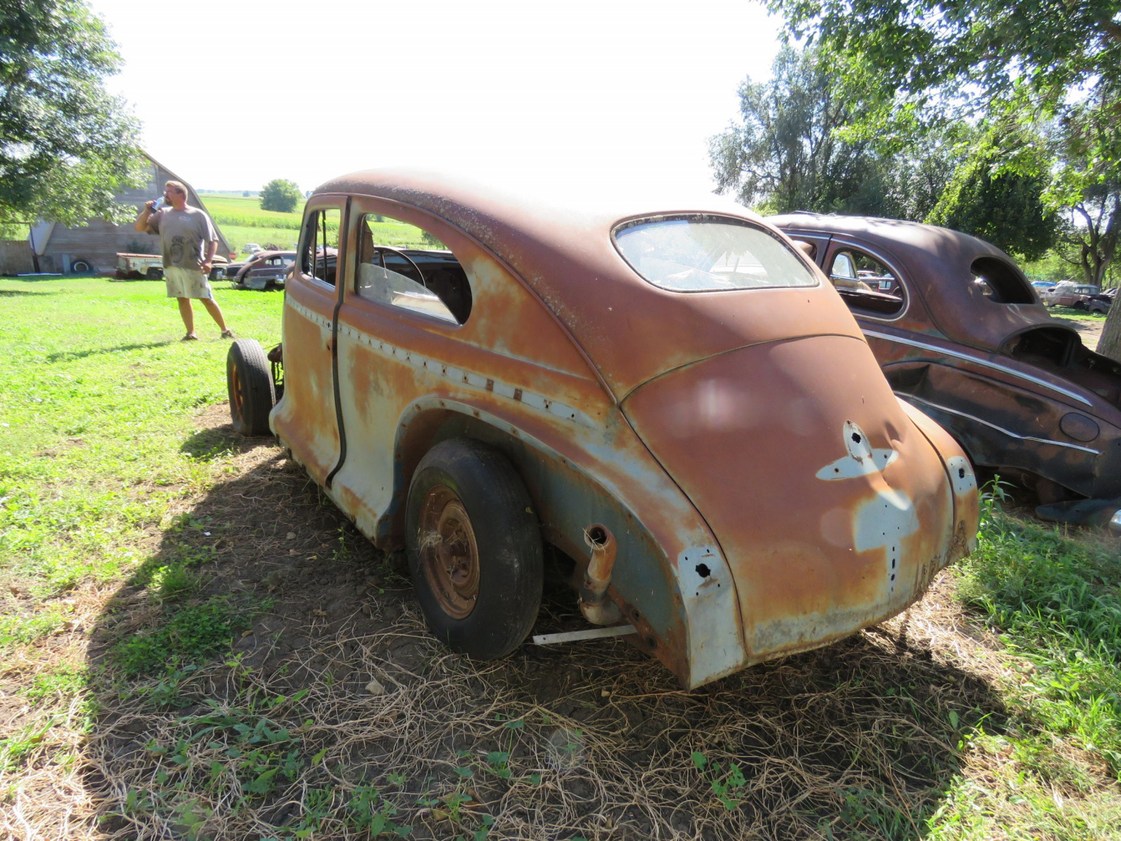 1940's Chevrolet 2dr Sedan for project or parts - Image 3