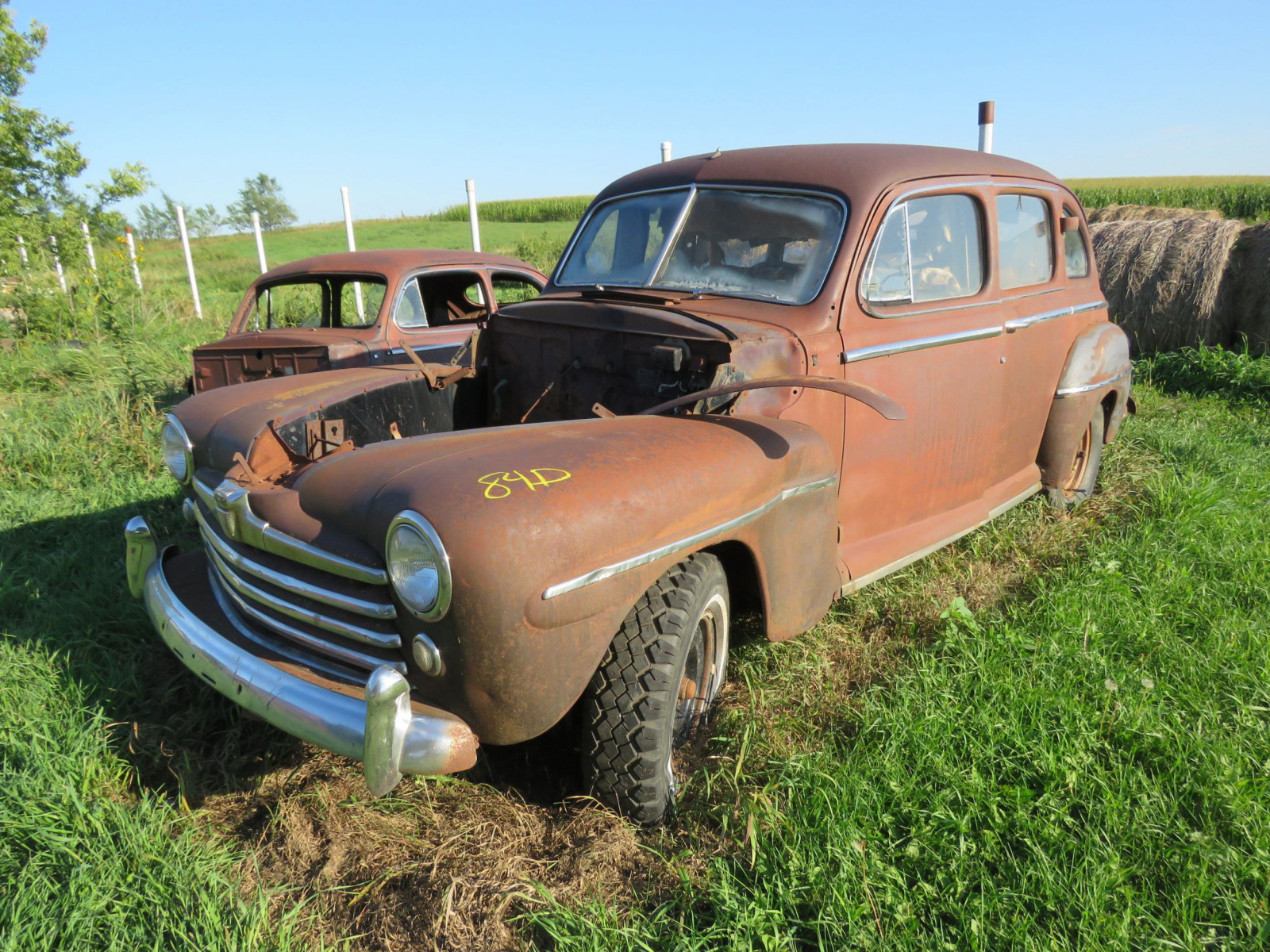 1947 Ford 4dr Sedan for Project or Parts - Image 1