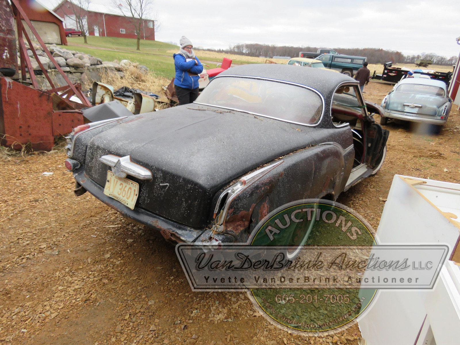 Borgward Coupe for project or parts - Image 9