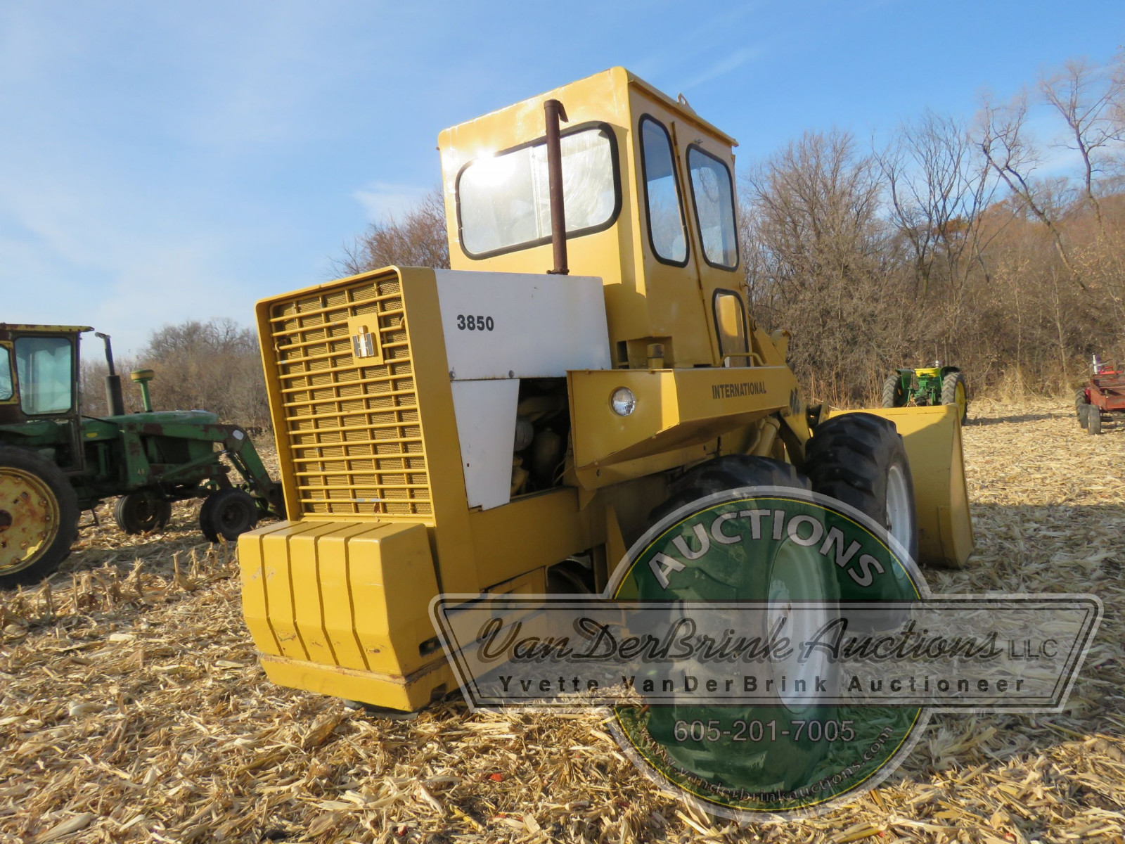 International 3850 Payloader - Image 6