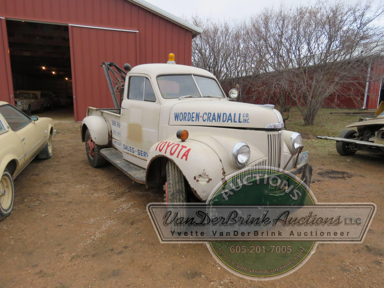1947 Studebaker Towtruck - Image 1