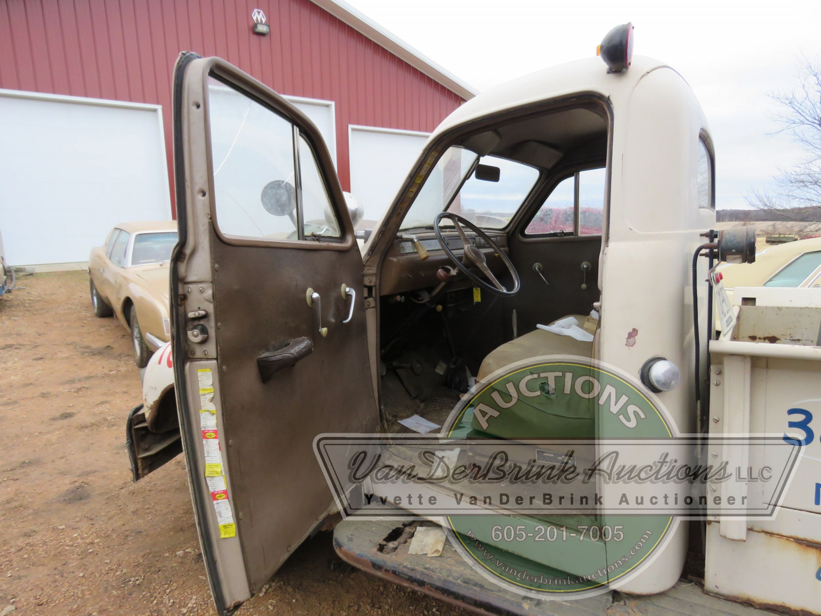 1947 Studebaker Towtruck - Image 11