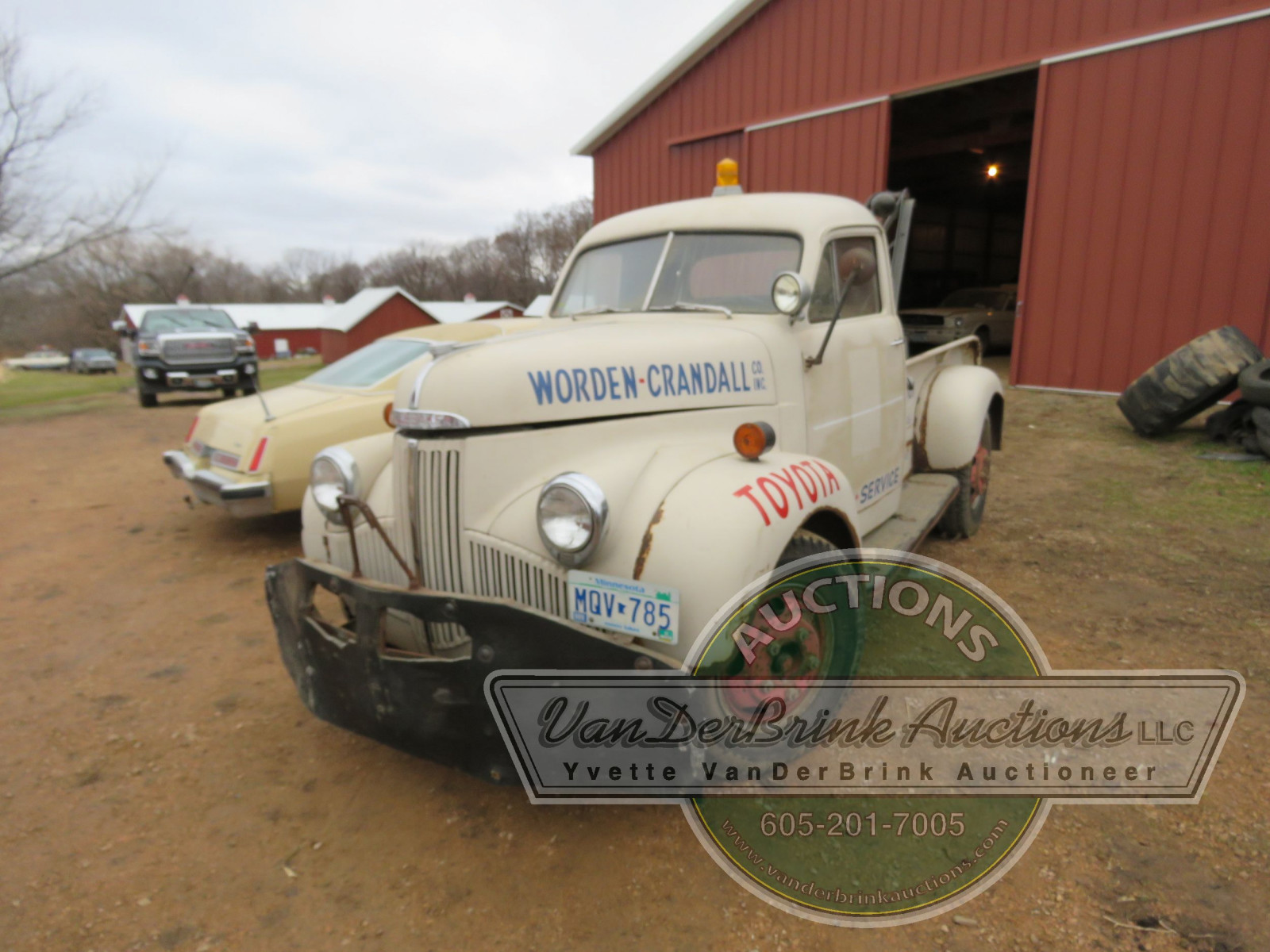 1947 Studebaker Towtruck - Image 3