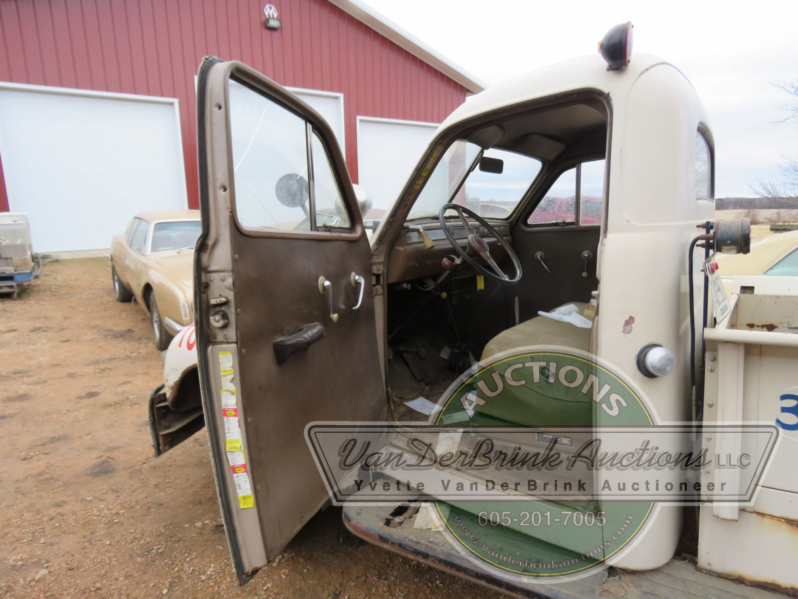 1947 Studebaker Towtruck - Image 8