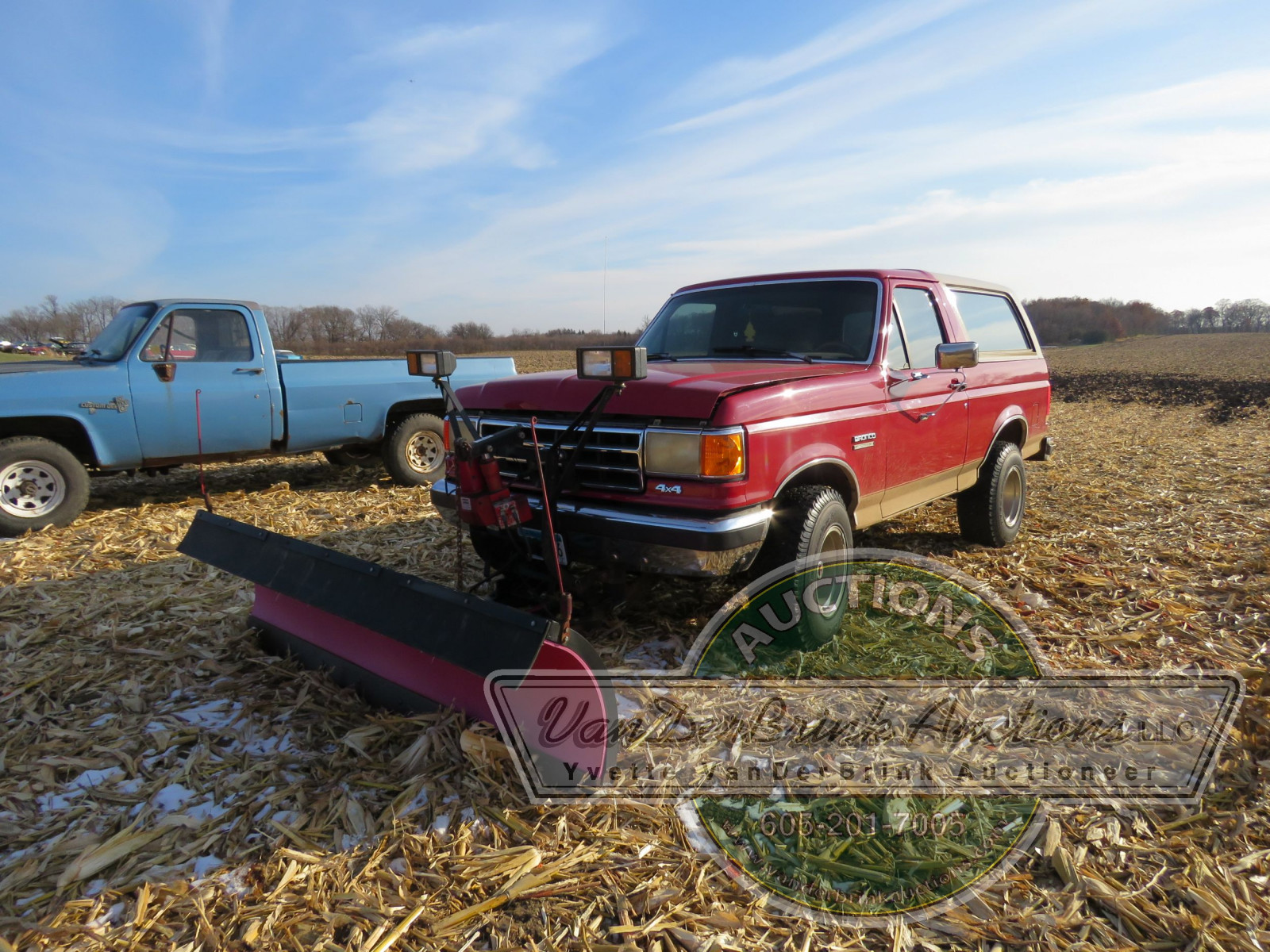 1989 Ford Bronco with Snowplow - Image 1