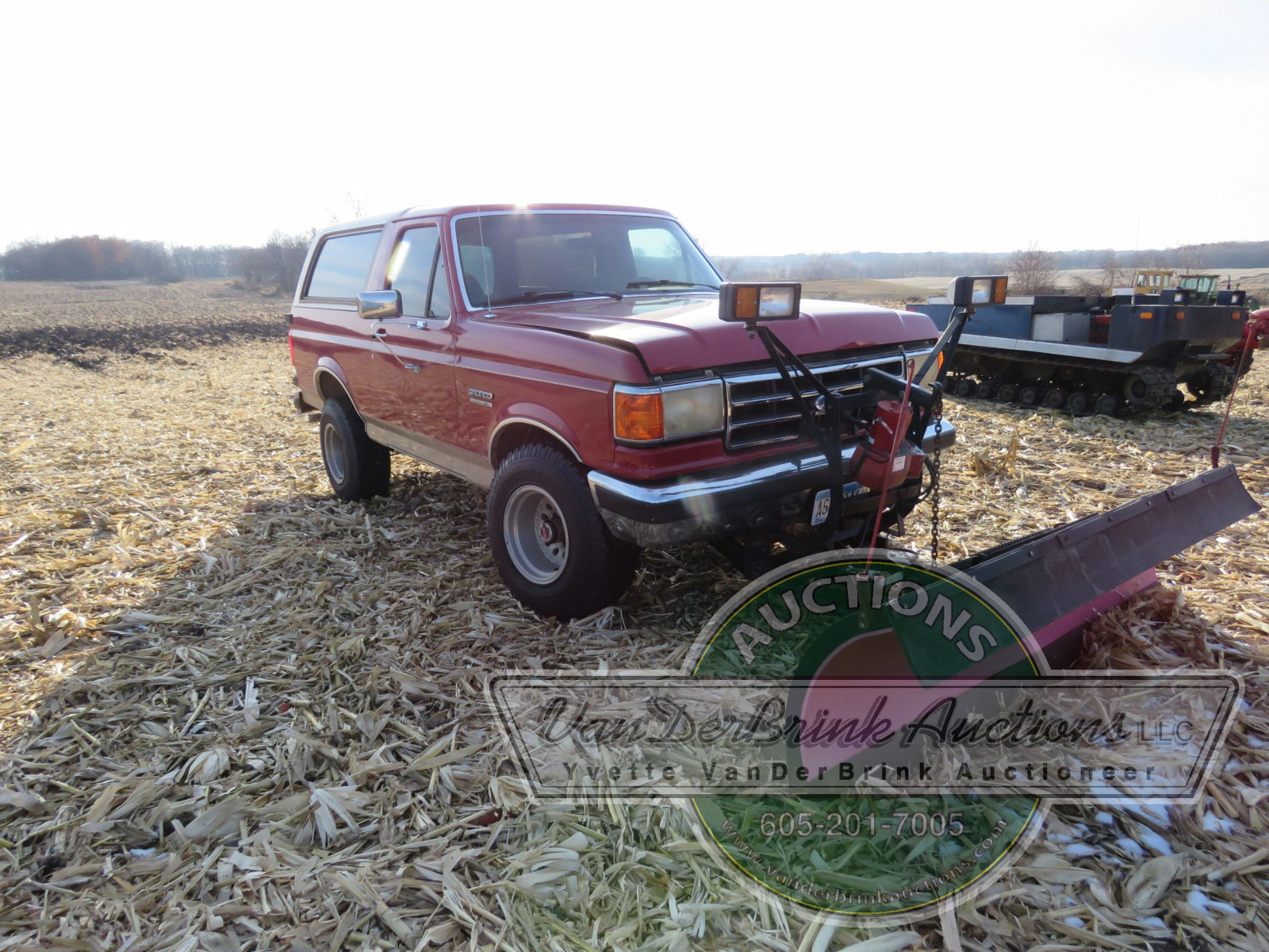 1989 Ford Bronco with Snowplow - Image 3