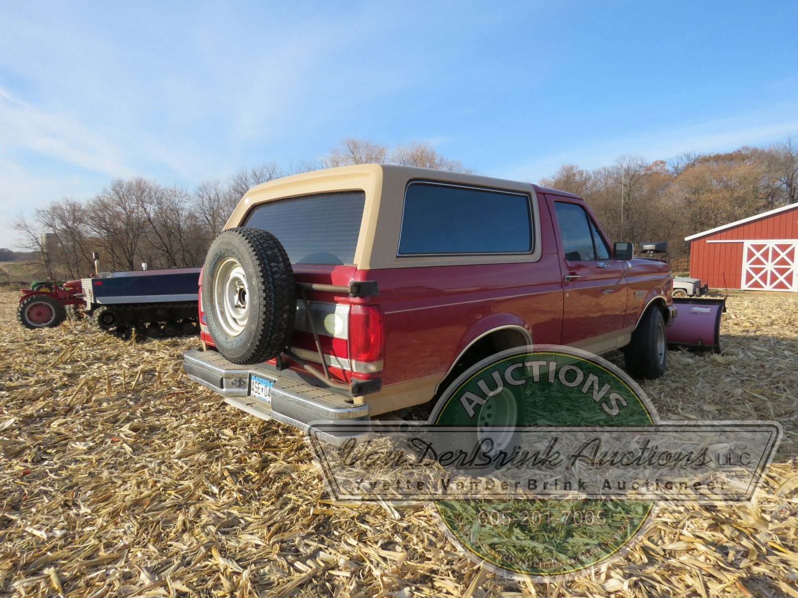 1989 Ford Bronco with Snowplow - Image 6