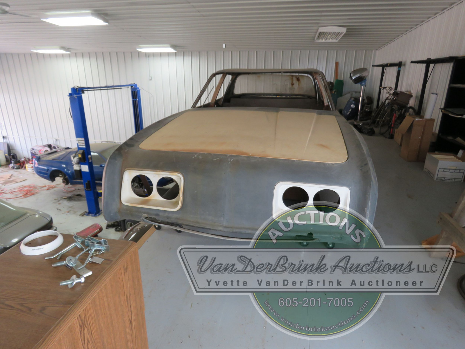 Rare Studebaker Avanti Prototype 4dr Engineering Body - Image 3