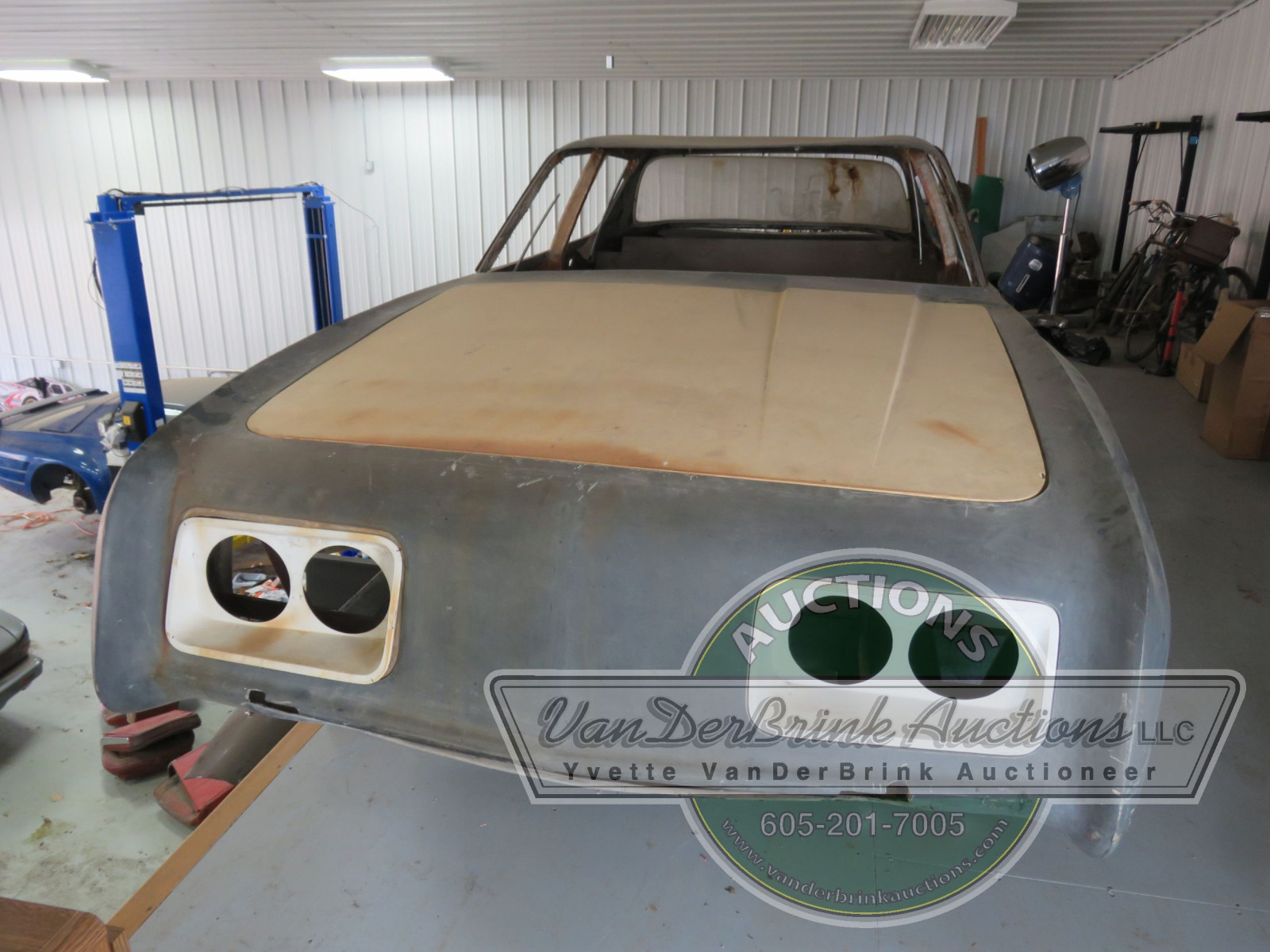 Rare Studebaker Avanti Prototype 4dr Engineering Body - Image 5