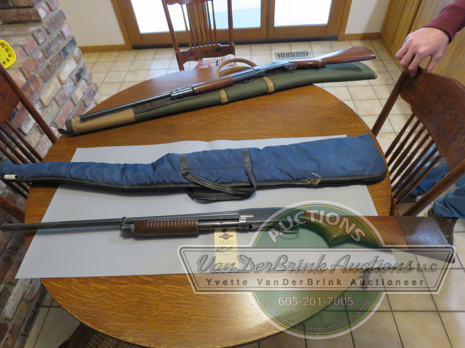 Winchester Model 25 12 guage pump shotgun 76236 - Image 1