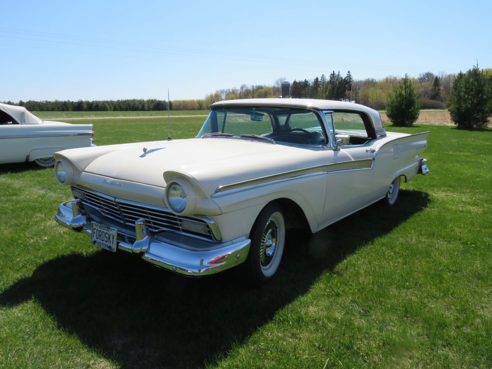 1957 Ford Fairlane 500 Skyliner Retractable Hardtop - Image 1