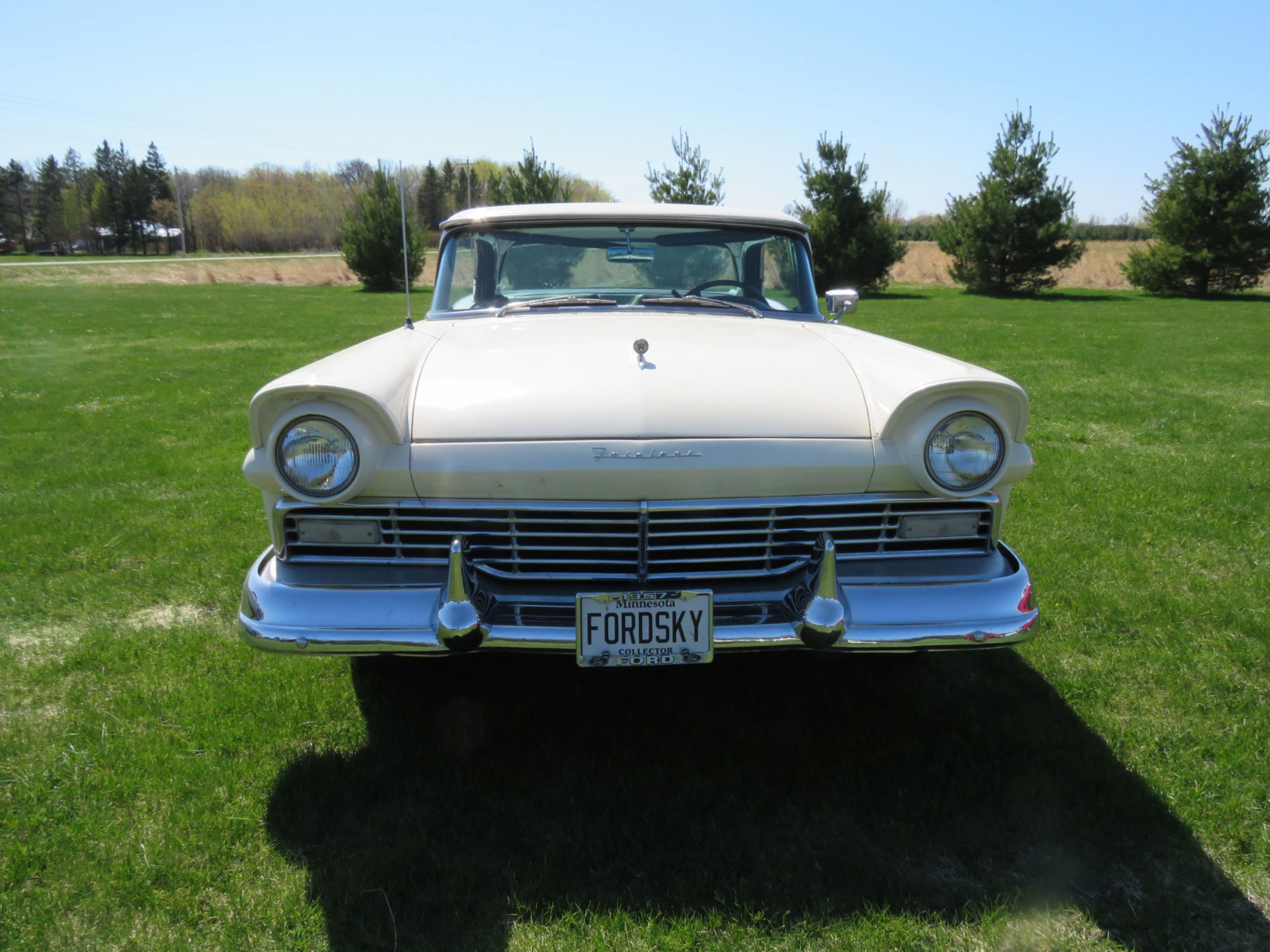 1957 Ford Fairlane 500 Skyliner Retractable Hardtop - Image 2