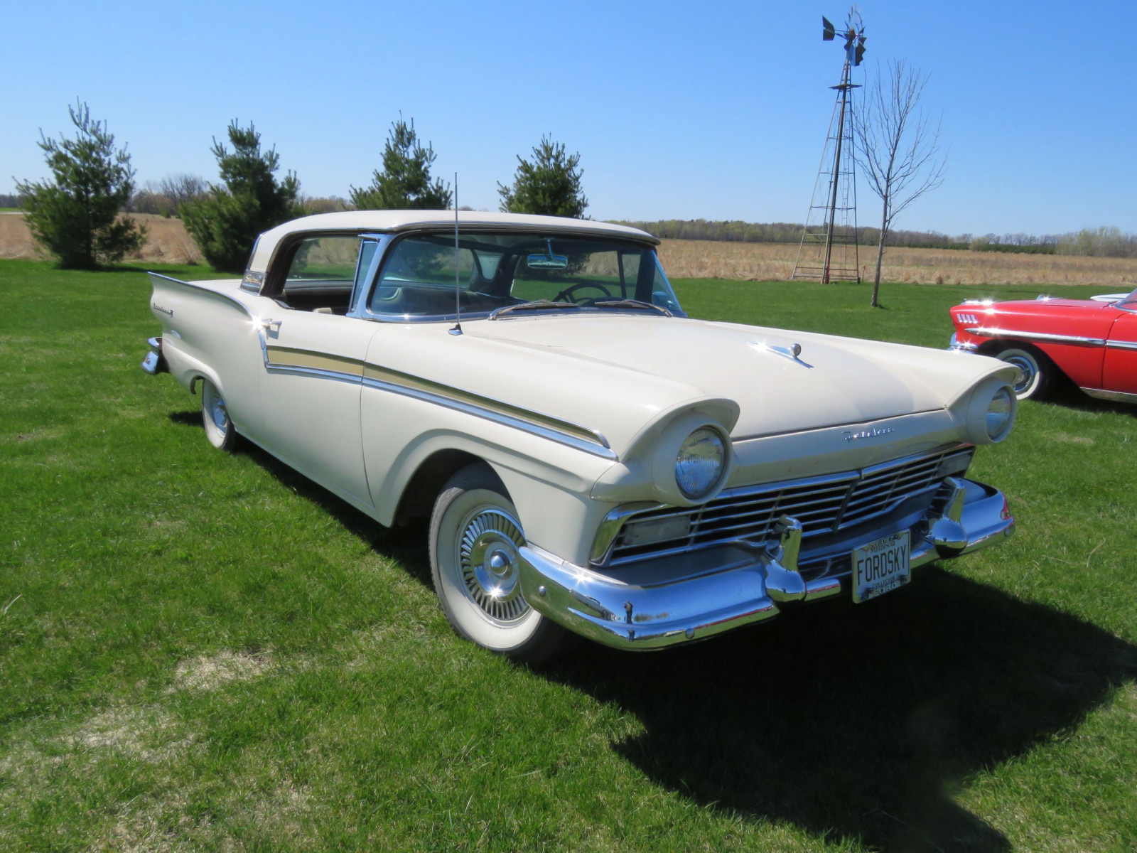 1957 Ford Fairlane 500 Skyliner Retractable Hardtop - Image 3