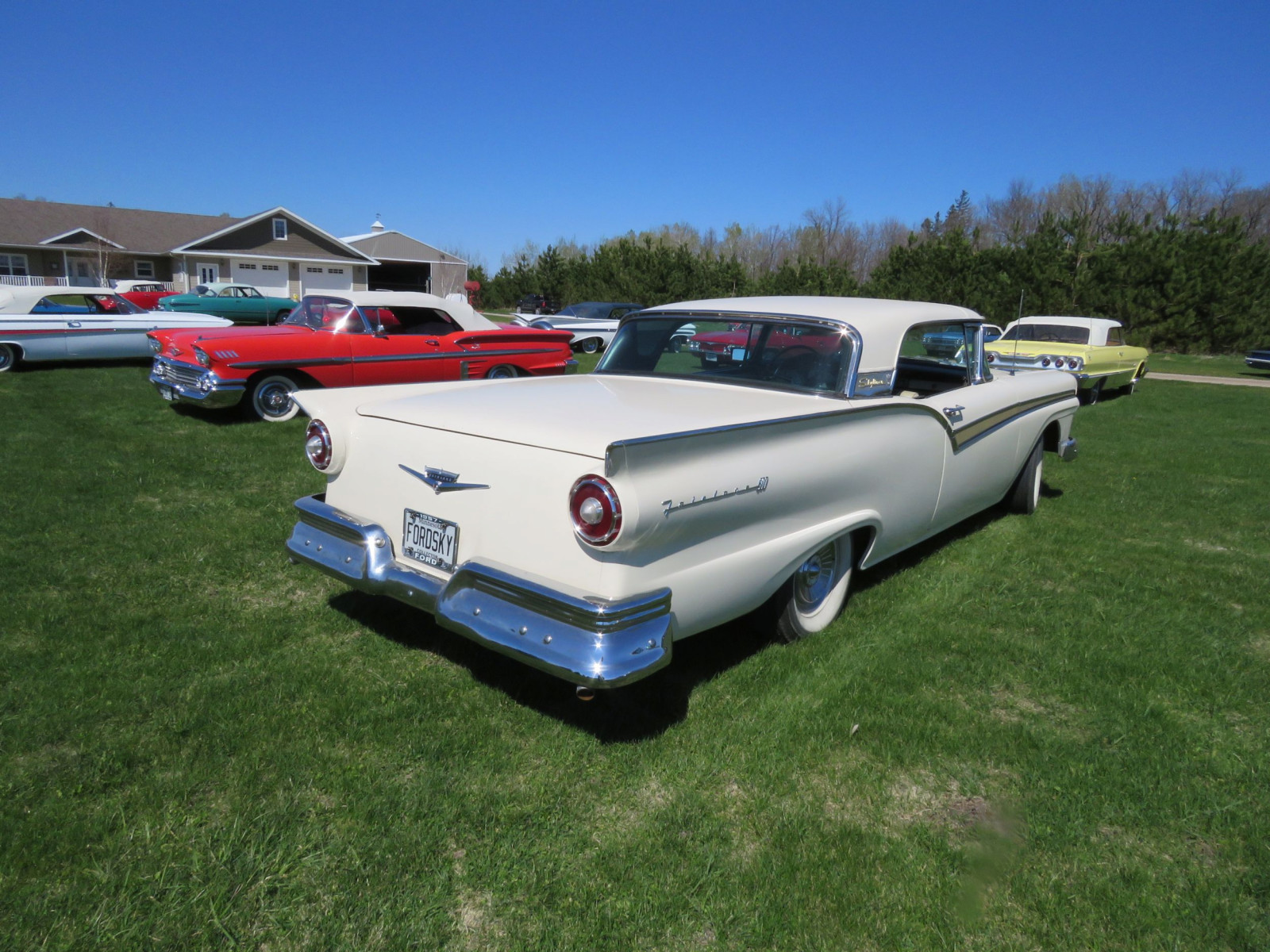 1957 Ford Fairlane 500 Skyliner Retractable Hardtop - Image 6