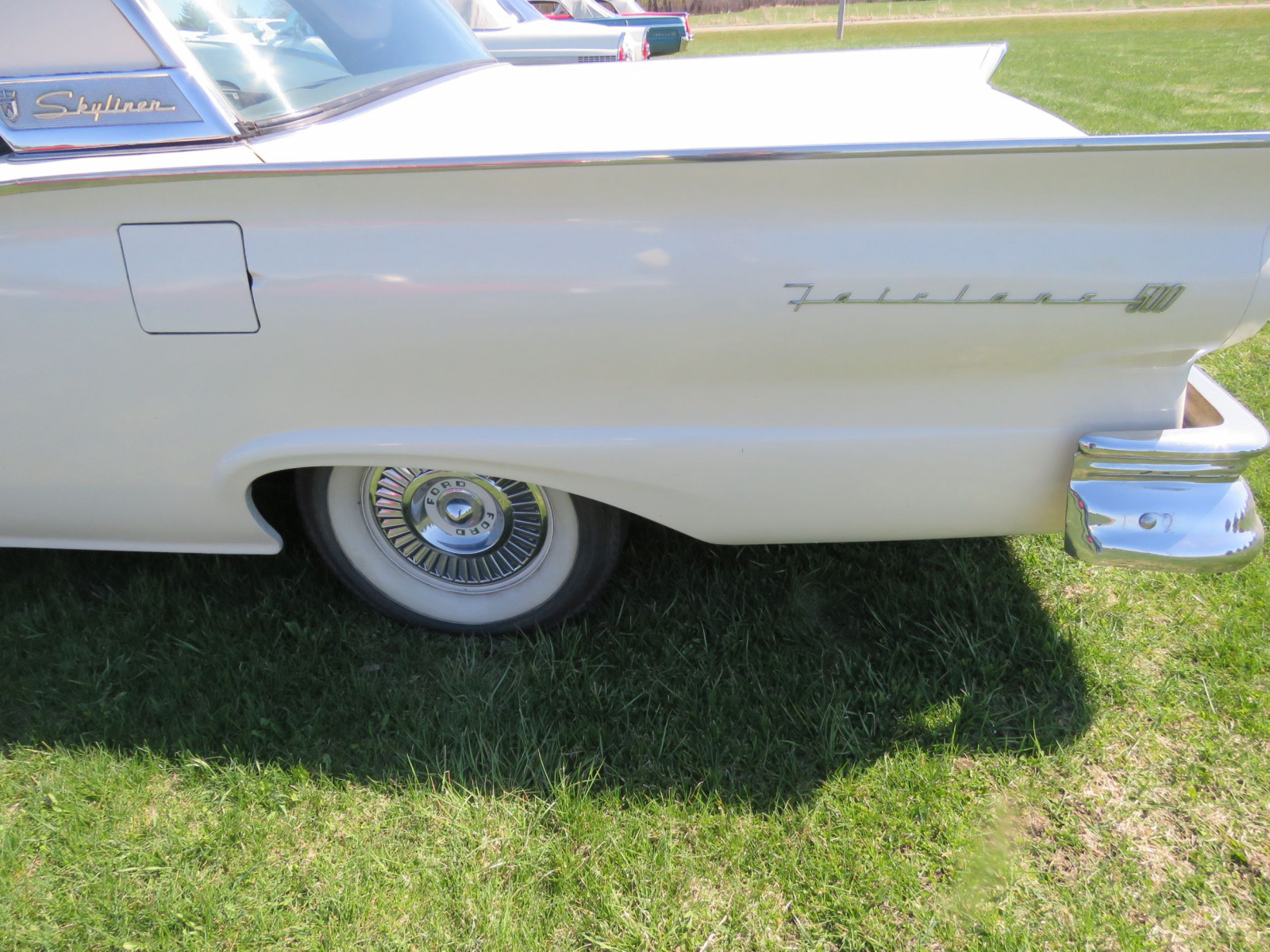 1957 Ford Fairlane 500 Skyliner Retractable Hardtop - Image 9