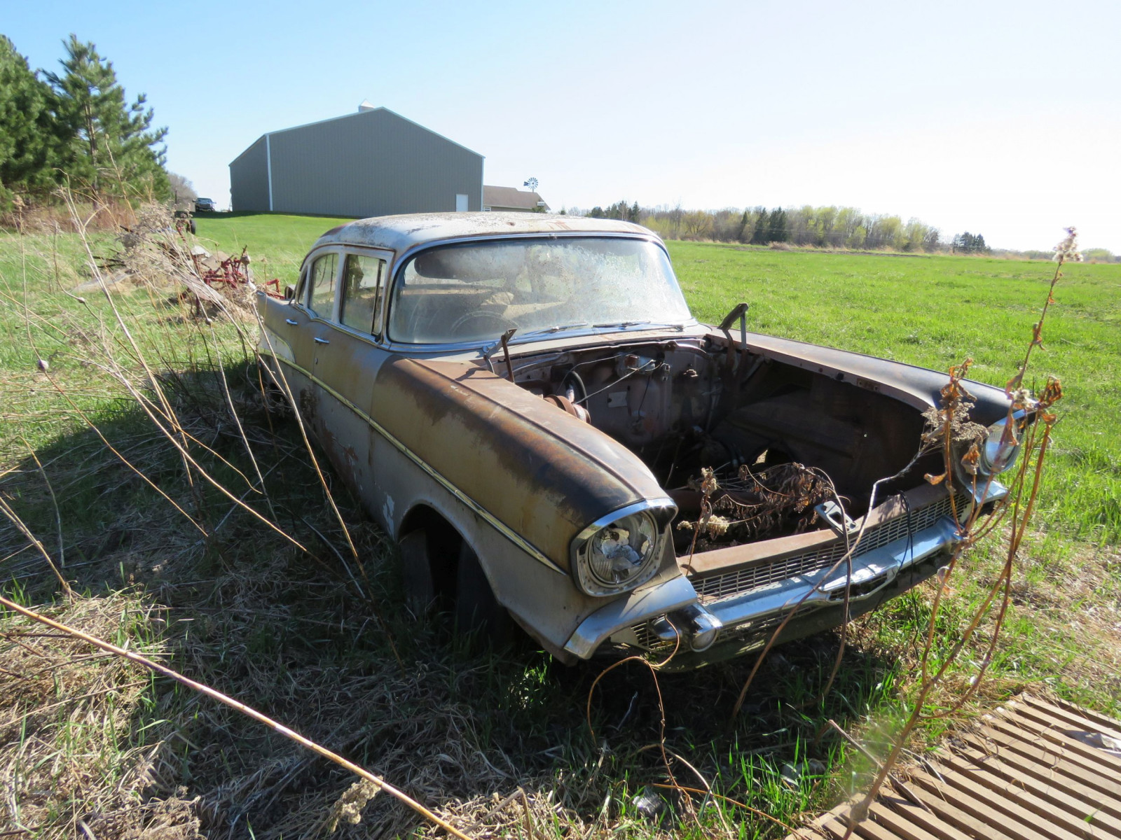 1957 Chevrolet 4dr Sedan parts only - Image 3
