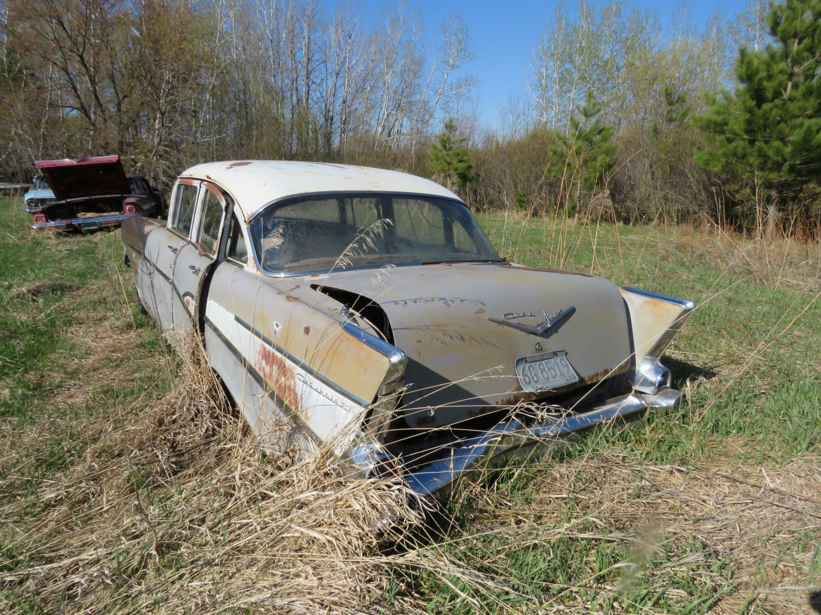 1957 Chevrolet 4dr Sedan parts only - Image 4
