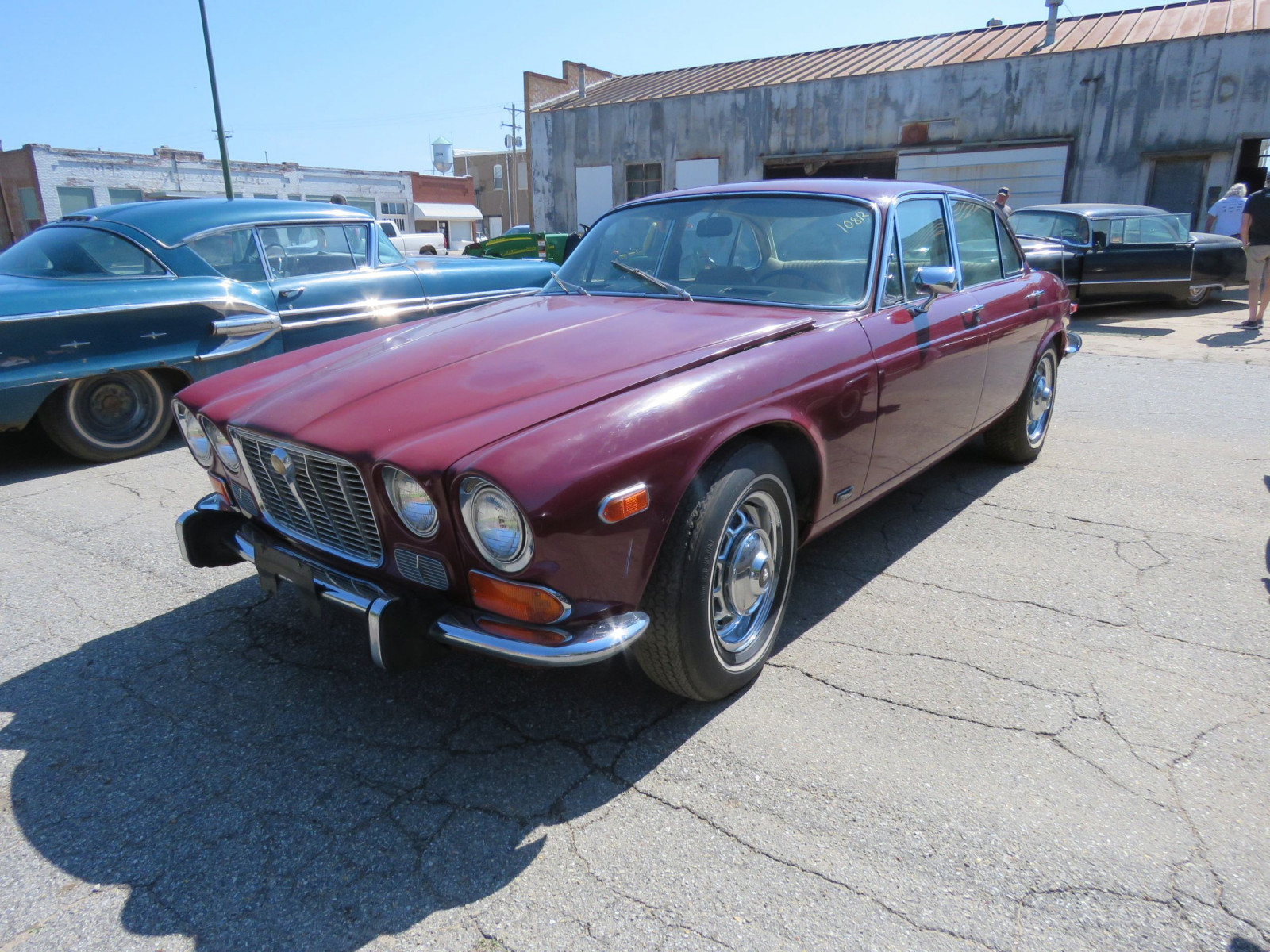 1973 JAGUAR XJ6 4DR SEDAN - Image 1