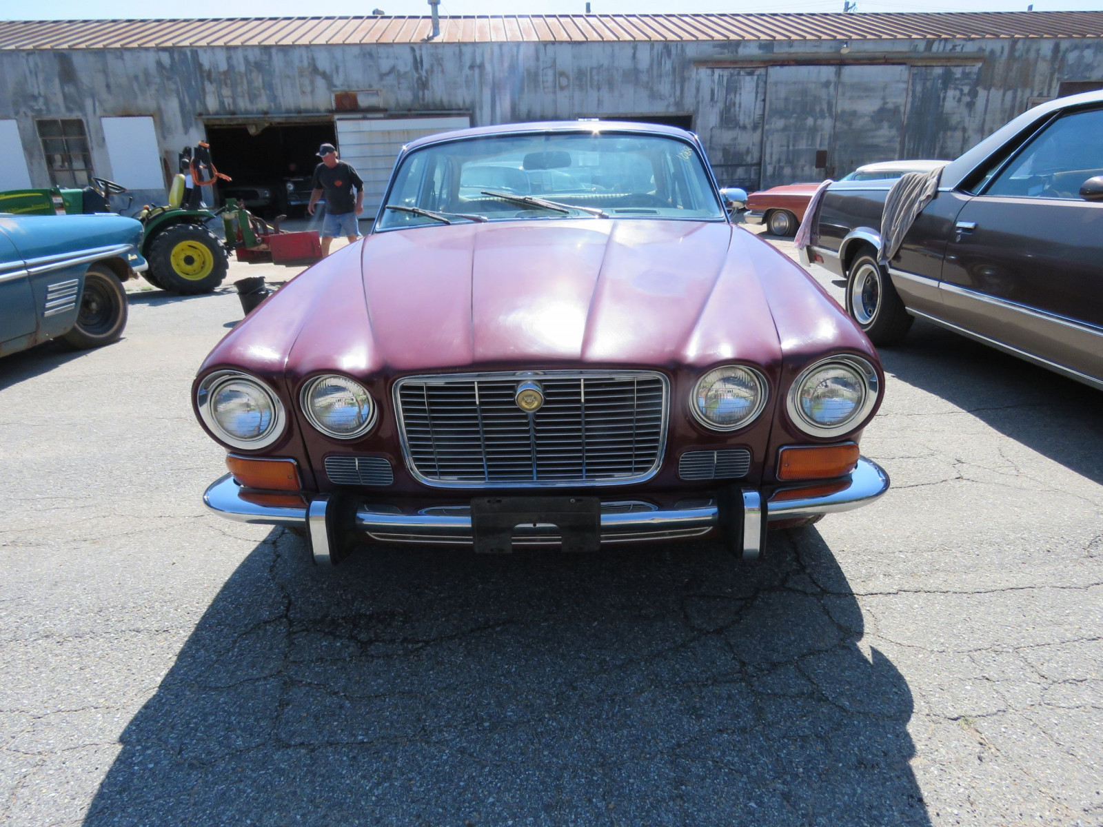1973 JAGUAR XJ6 4DR SEDAN - Image 2