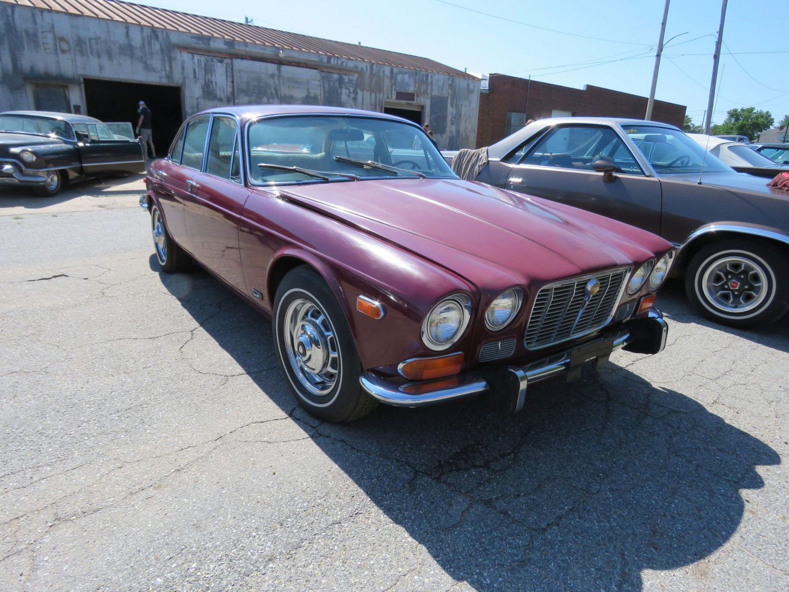 1973 JAGUAR XJ6 4DR SEDAN - Image 3