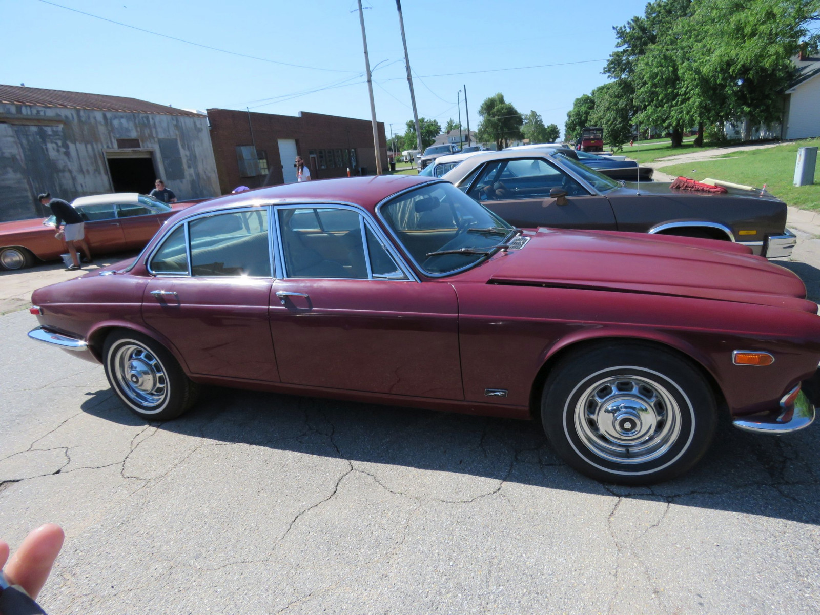 1973 JAGUAR XJ6 4DR SEDAN - Image 4