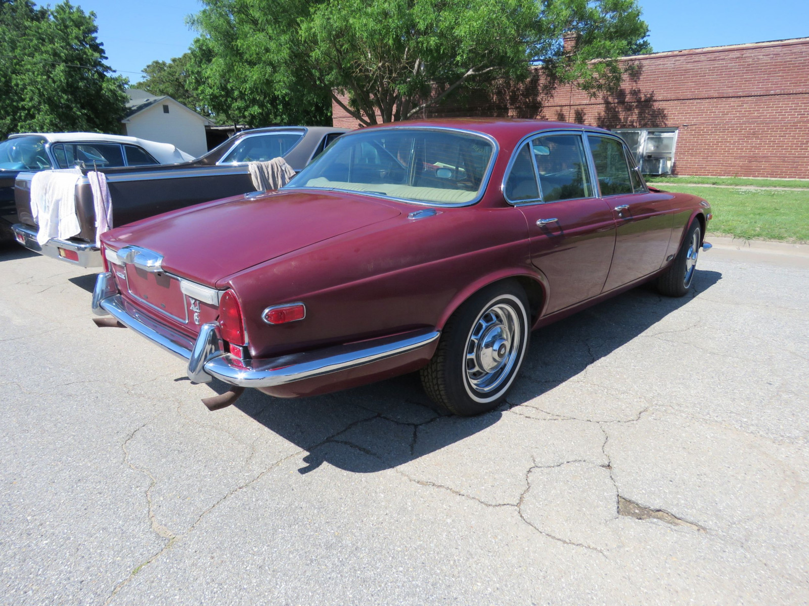 1973 JAGUAR XJ6 4DR SEDAN - Image 5