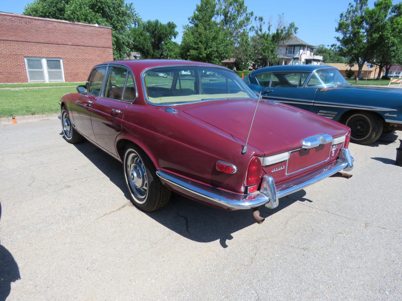 1973 JAGUAR XJ6 4DR SEDAN - Image 7