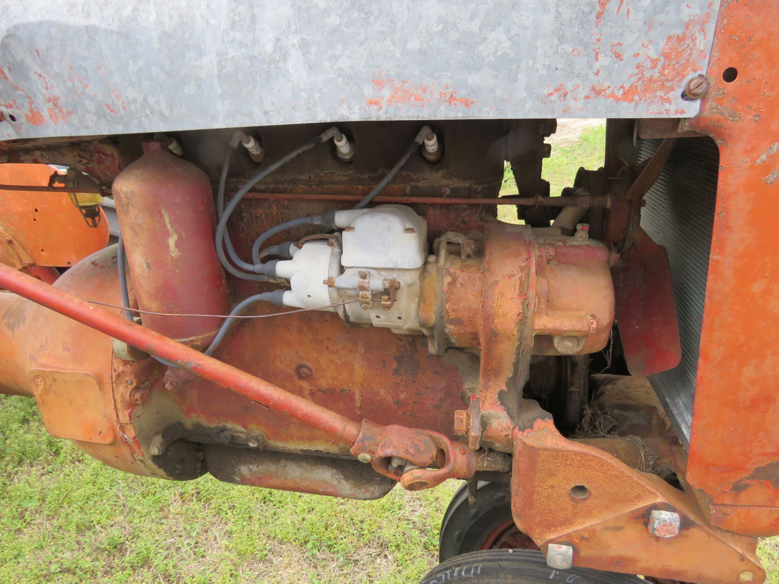 FARMALL B TRACTOR FOR RESTORE - Image 5