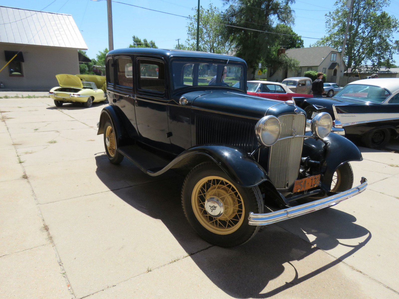 1932 FORD 4DR SEDAN - Image 3