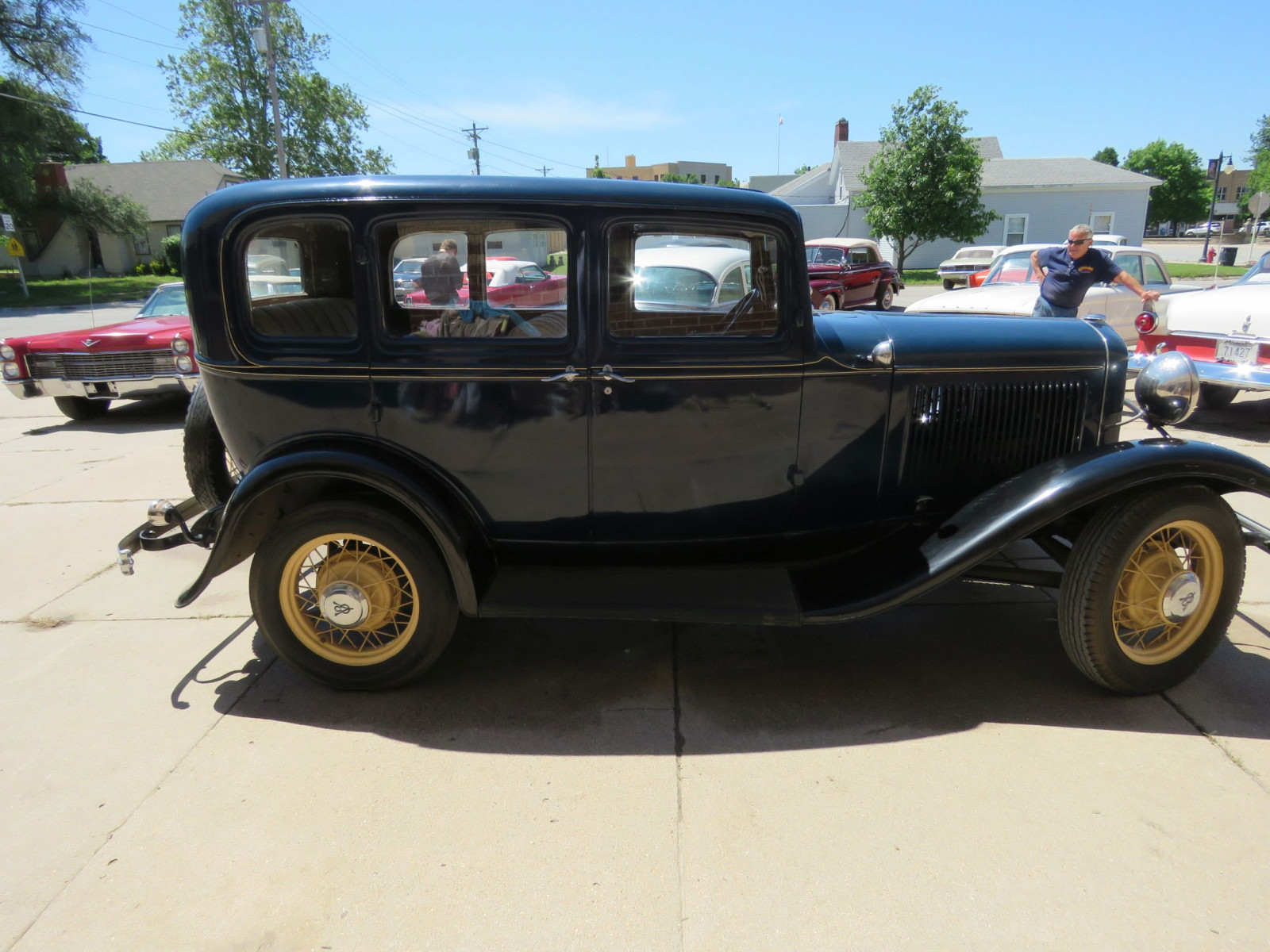 1932 FORD 4DR SEDAN - Image 5