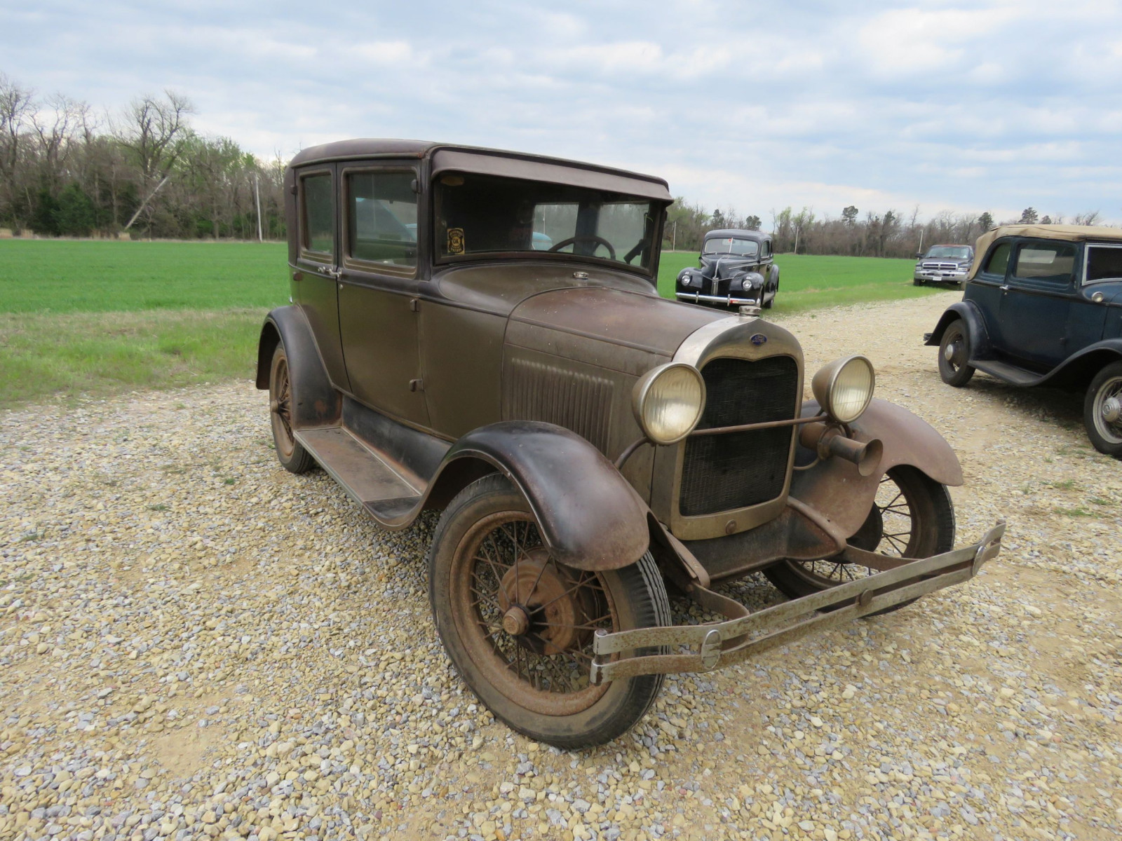 1928 FORD MODEL A 4DR SEDAN - Image 3