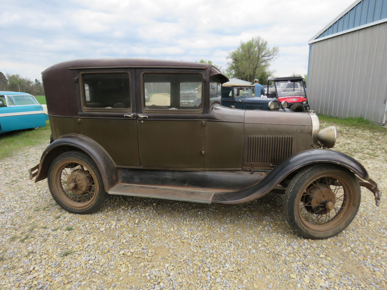 1928 FORD MODEL A 4DR SEDAN - Image 4