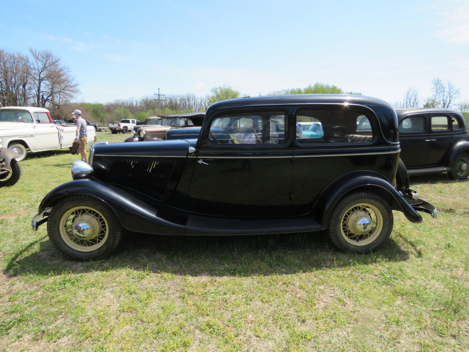1934 FORD TUDOR SEDAN - Image 4