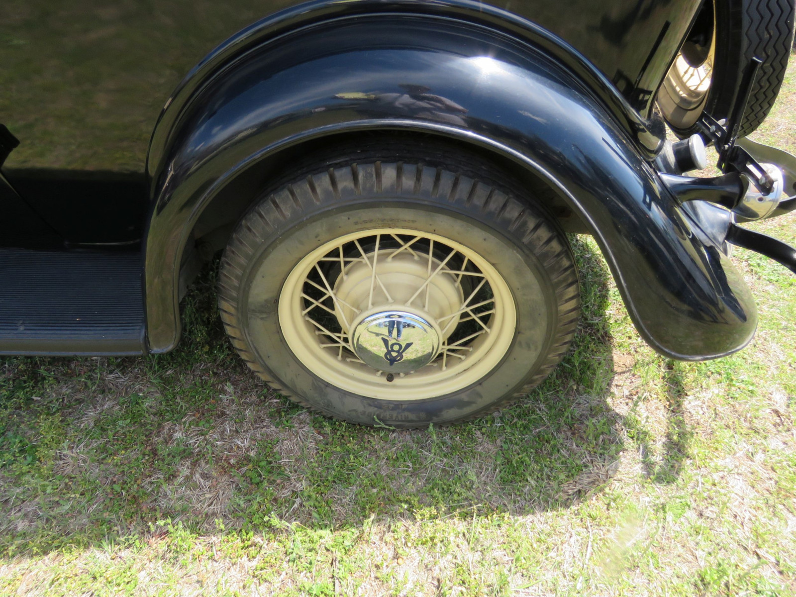 1934 FORD TUDOR SEDAN - Image 5